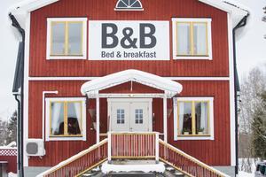 Det gamla boningshuset på gården i Högbo har blivit ett pensionat.