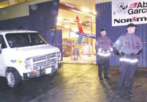 I oktober 2003 körde en berusad man en skåpbil rakt in genom portarna till Naturkompaniets lokaler.