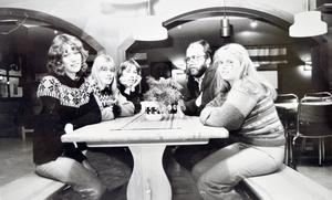 Troligtvis den första bilden från när Domnarvets fritidsgård öppnade på 1970-talet. Då drevs den av Unga Örnar.