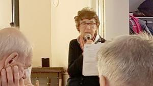 Britt Larsson informerade om aktuella frågor i Kommunala pensionärsrådet. Foto: Gudfast Hellby