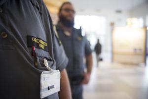 Ordningsvakterna på Falu lasarett har fått ett mer omfattande uppdrag.