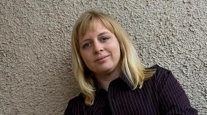 Poeten Anna Hallberg, uppvuxen i Falun belönas av Svenska Akademien.