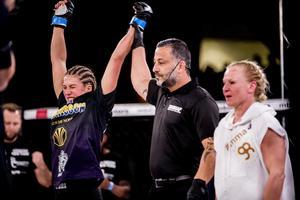 Malin Hermansson är nu klar för nya fajt på MMA-galan Cage Warriors den 28 april.