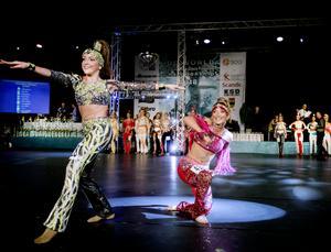 Omkring 1150 dansare deltar i årets disco-VM i Idrottshuset.