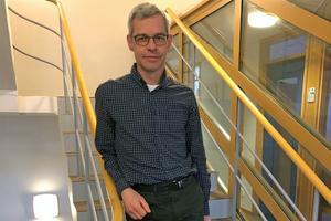 Johnny Sundström, gruppchef anläggningsdata, stortrivs på anrika Stora Enso Fors Bruk och framhåller framåtandan och innovationsviljan som viktiga parametrar för bruket.