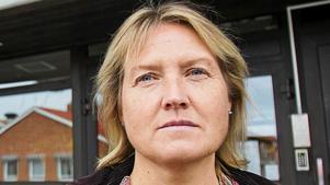 Elise Ryder Wikén blev förskräckt när hon fick höra Daniel Arvastssons svar på de frågor hon ställt om personalsituationen inom socialförvaltningen.