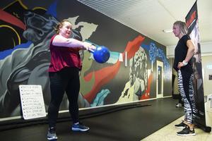 Stina Nordin under onsdagens träningspass med hälsocoachen Marie Snar.