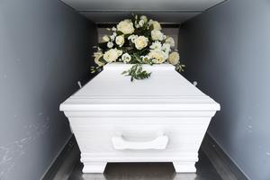 Det är en hel del praktiskt som ska lösas i samband med en persons död. ibland kan det bli aktuellt med ord som kapitalvinstskatt. Foto: TT