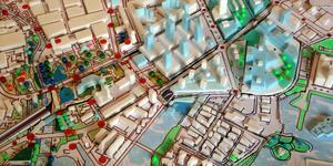 Modellen visar Lillåudden och östra hamnen samt de tilltänkta citykvarteren som kan byggas om man gräver ned järnvägen.