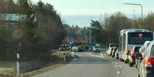 Det ena körfältet stängdes av för trafik  under en tid efter olyckan.