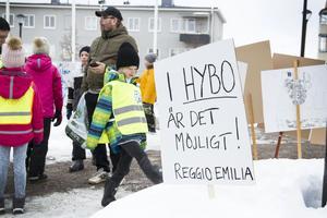 Intraprenaden i Hybo har varit motarbetad sedan starten i mars 2010. Politiken har försökt att detaljstyra verksamheten, istället för att uppmuntra entusiastiska pedagoger som ville skapa något nytt, skriver insändaren.