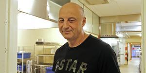 – Vi klarar situationen just nu, och det finns en reservplan, säger enhetschefen Seid Dujsic på Hällbacken.