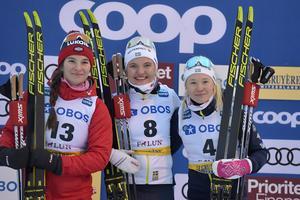 Linn Svahn tillsammans med tvåan Natalia Nepryaeva och trean Jonna Sundling.