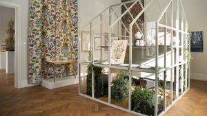 Utställning av Gunnar Kaj på Thielska Galleriet under våren 2019. Systrarna Jobs mönster presenterade på ett annorlunda sätt.  Foto: Thielska Galleriet