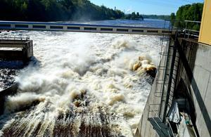 Ett mäktigt skådespel bjuds vid Bullerforsen. Som mest har 926 kubikmeter vatten per sekund passerat.