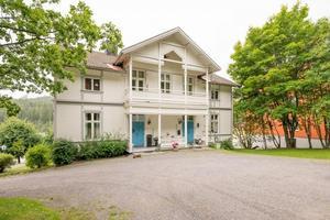 Bild: MäklarhusetDet här bostadshyreshuset på Själevadsgatan i Örnsköldsvik är den mest klickade på Hemnet i Ångermanland i år.