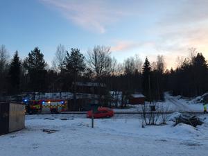 En minibuss och en bil kolliderade i en korsning vid Vasaloppsvägen i Oxberg på torsdagseftermiddagen.