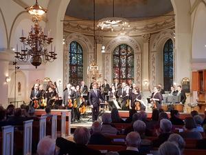 Cirka 150 personer hade tagit sig till Boda kyrka.