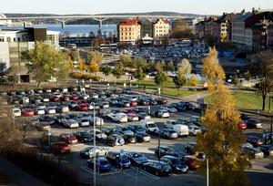 Norrmalmsparkeringen innan saneringen påbörjades.  Foto: Mårten Englin