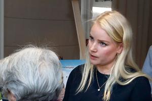 Annie Rämsell är projektansvarig för Övre Bryggårdsgärdet som planeras att börja bygga i slutet av 2019. – På gårdsgatorna ska det i princip inte vara någon trafik och  lägenheter på bottenplan med uteplatser ut mot gatan skapar också trygghet för barn att röra sig fritt, säger hon.