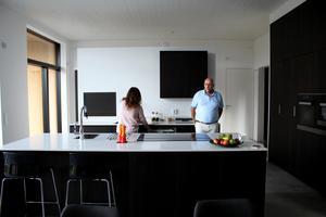 Dan och Magdalena ville ha ett kök där man kunde stoppa undan prylar.