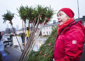 Karin Wallström sålde egentillverkade plogpinnar.