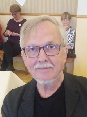Stefan Lundin underhöll med sina dikter.