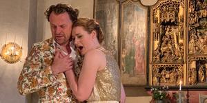 Cornelia Beskow som Elsa tillsammans med Magnus Vigilius som riddaren Lohengrin. Foto: Cari Hildebrand