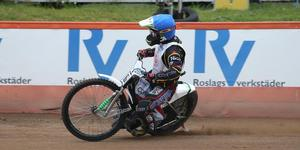 Tomas H Jonasson inledde med en femetta i sin första match för Rospiggarna.