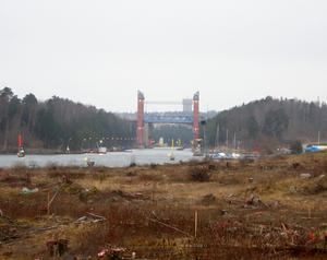 Vid Södertälje kanals södra inlopp, på Igelstavikens östra strand, ska det nya bostadsområdet Igelsta strand byggas. Men först ska marken saneras.