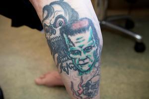 Frankensteins monster dyker upp på Pauls ben.