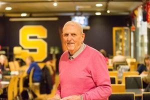 Arne Norman, 91, i Gamla SSK:are är den som håller i trådarna.