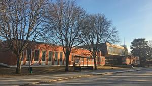 Nyligen avbröts också renoveringen av Lilla Gröndal intill Gröndalsskolan.