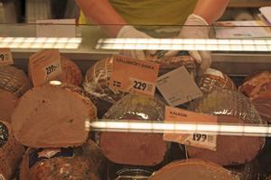 Det är bara det utländska färska köttet som inte kommer säljas. Till exempel rökt kalkon kommer fortsätta vara utländsk.