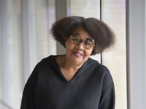 Jamaica Kincaid på årets bokmässa. Den amerikanska författaren ligger bra till, enligt förhandsspekulationerna. Arkivbild: Fredrik Sandberg/TT