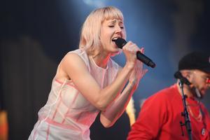Uppsala stadsteater hyllar Uppsalas popdrottning Veronica Maggio med teaterkonserten