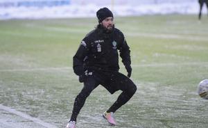 Robbin Sellin kan träna fotboll, trots skadan, men skyndar långsamt för att vara redo till säsongsstarten.
