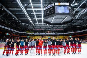 Glädjescener efter segern mot Björklöven. Bild: Erik Mårtensson/Bildbyrån