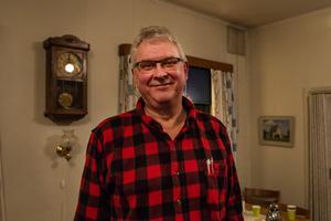 Lennart Henriksson bor i Liden och tog vid flera tillfällen micken ifrån regionens representanter för att få sin åsikt hörd.