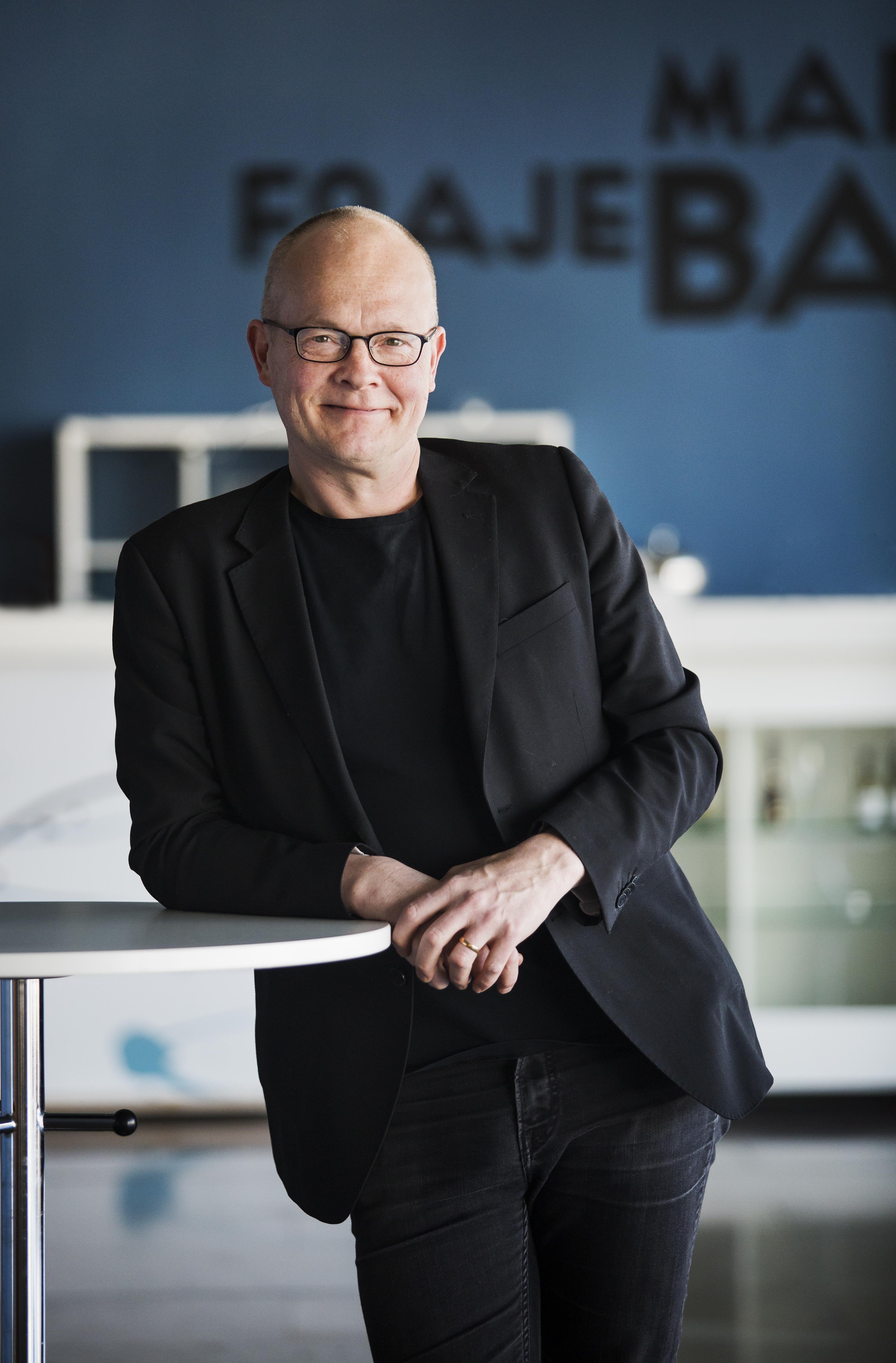 Fredrik Österling är chef för Konserthuset i Helsingborg, just nu komponerar han musiken till kortoperan om krisen i Svenska Akademien. Foto: Sarah Perfekt