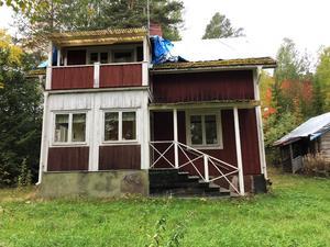 Detta fritidshus i Bjus toppar Klicktoppen för vecka 42, sett till de objekt från Dalarna som klickats mest på Hemnet. Foto: Länsförsäkringar Fastighetsförmedling Mora - Orsa