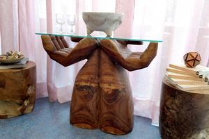 Sidobord, troligen från Bali, men inköpt från ett tyskt auktionshus.Foto: Janerik Henriksson / TT