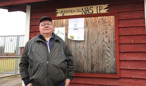 Fotbollssektionen vilar i Näs IF, men Lars-Göran Pettersson ser gärna att yngre förmågor är redo att dra lasset, så att den blir aktiv igen.
