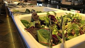 Att mat är en njutning vittnar bland annat salladsbordet på Nom i Västerås om.