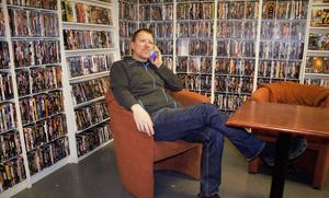 Nils Dahlgren i sina nya butikslokaler i Kvissleby, Njurunda.
