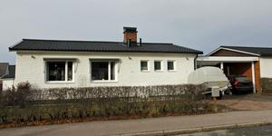 Furuvägen 11 i Köping har bytt ägare för 2 450 000 kronor.