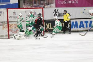 Niklas Engström blev tvåmålsskytt mot VSK.