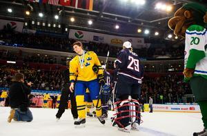 Filip Forsberg deppar, efter att år 2013 ha förlorat JVM-finalen mot USA. Bild: Joel Marklund/Bildbyrån