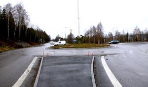 Den gamla rondellen vid E14 och Timmervägen kommer att ersättas av en ny planskild korsning och en större cirkulationsplats.