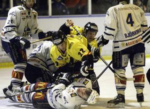 Bortamatch mot Arboga den 19 februari 2003. VIK vinner med 3-1 och firma Holmgren-Finn Olsson lever upp till förväntningarna.